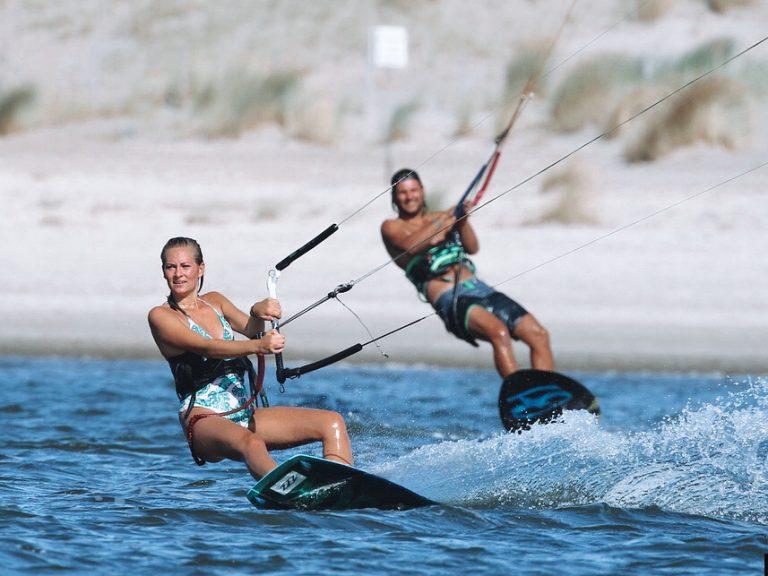 Kitesurfles in Zandvoort Moana kiteschool aanbieding
