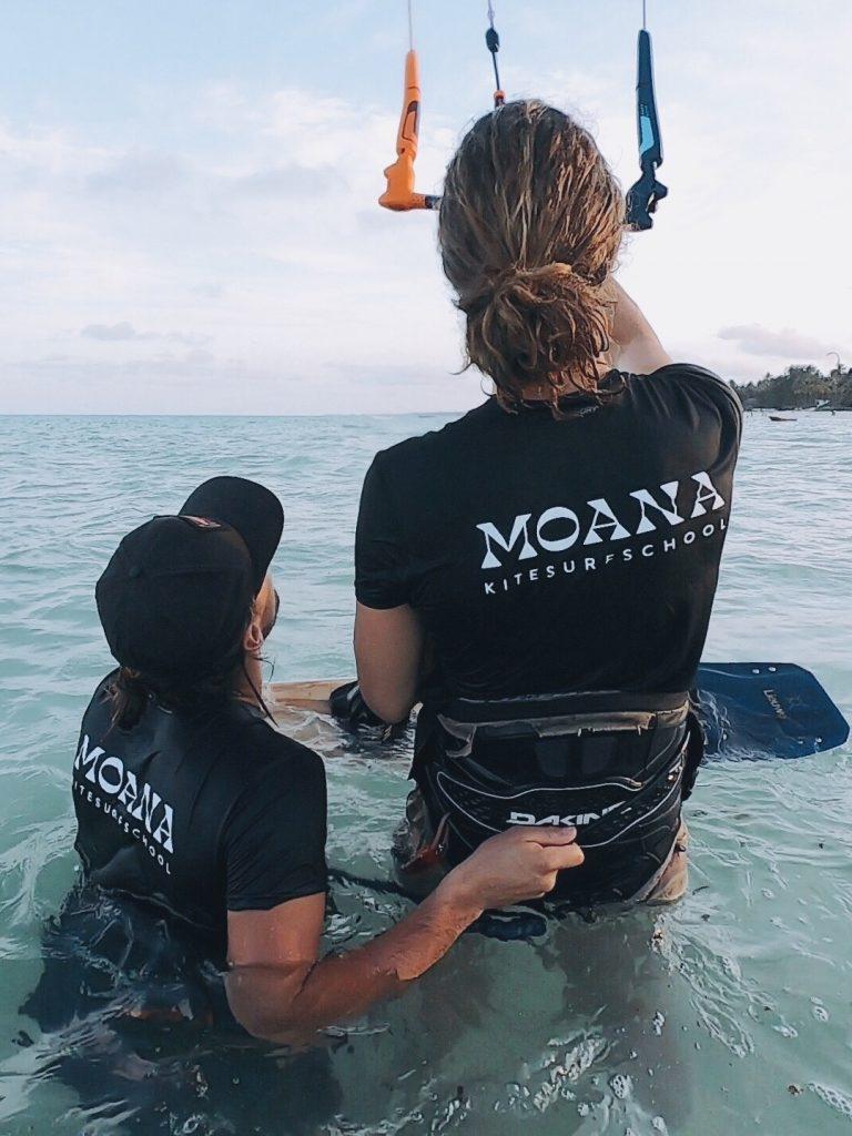 Kitesurfles Zandvoort Moana Kiteschool leren kitesurfen met korting