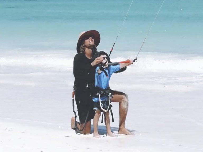 Kitesurfles Zandvoort leren kitesurfen kiten bij Moana