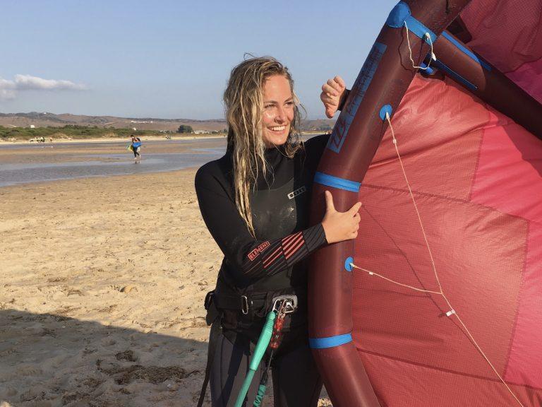 Kitesurfles voor beginners Zandvoort aanbieding Moana Kiteschool leren kitesurfen
