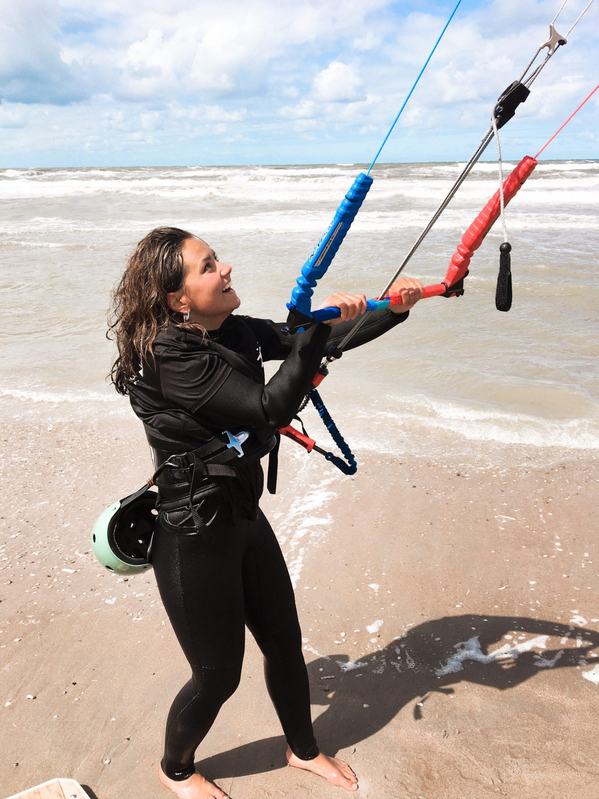 kitesurf cursus prive bij moana in zandvoort