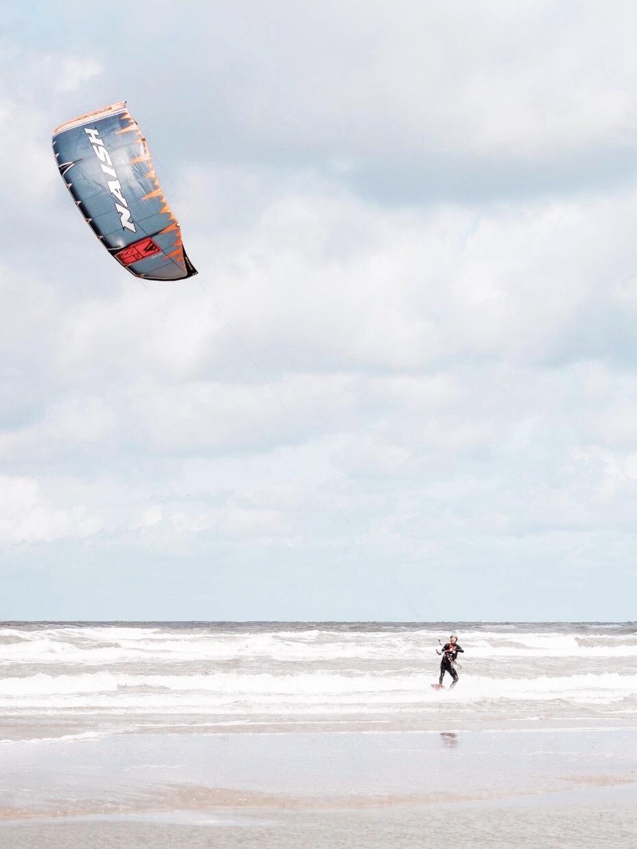 Leren kitesurfen met een lespakket van 5 kitesurflessen